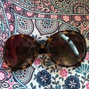 Betsey Johnson round bow sunglasses